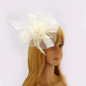 AGF00218 - Ivory Feather & Flower Mesh Fascinator