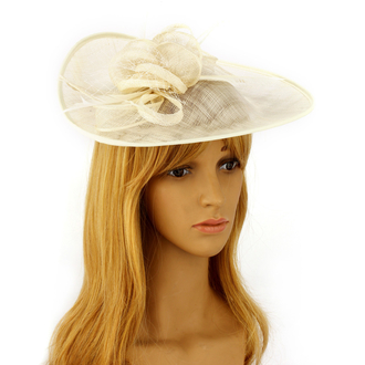 AGF00226 - Ivory Mesh Hat Feather Fascinator