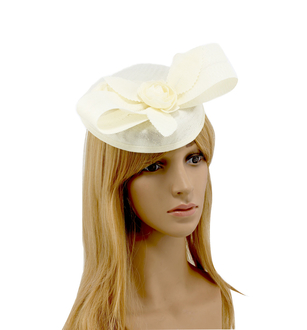 AGF00238 - Ivory Flower Mesh Hat Fascinator