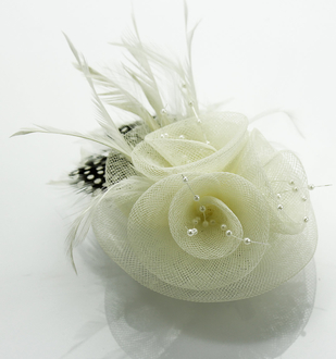 LSH0089- Ivory Feather & Flower Fascinator