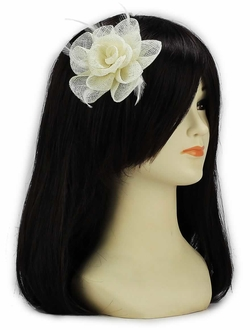 LSH00138 - Ivory Feather and Mesh Flower Fascinator