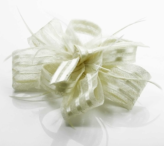LSH00109- Ivory Feather & Flower Fascinator