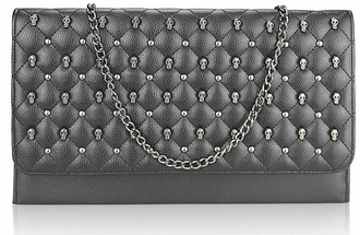 LSE00218 - Black Quilted Purse With Skull Stud Detail