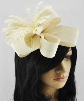 LSH00179-  Ivory Feather & Flower Fascinator