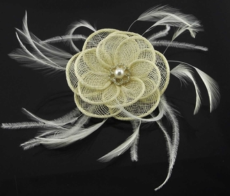 LSH00166 - Ivory Feather & Flower Fascinator