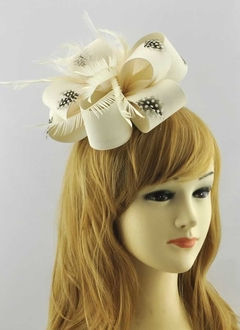 LSH00178 - Ivory Feather & Flower Fascinator