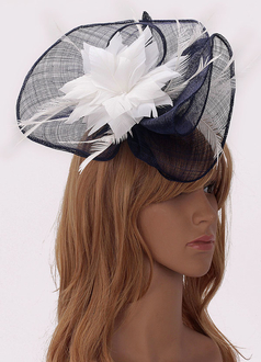 LSH00205 - Navy / White Flower & Feather Fascinator on Comb